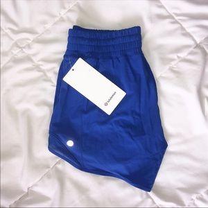 "BNWT lululemon hotty hot high rise shorts 4"""